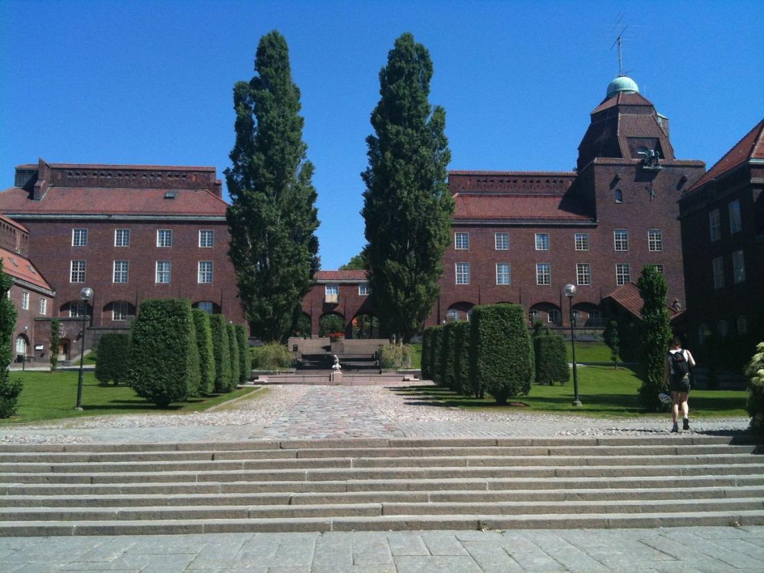 university-63673_1280