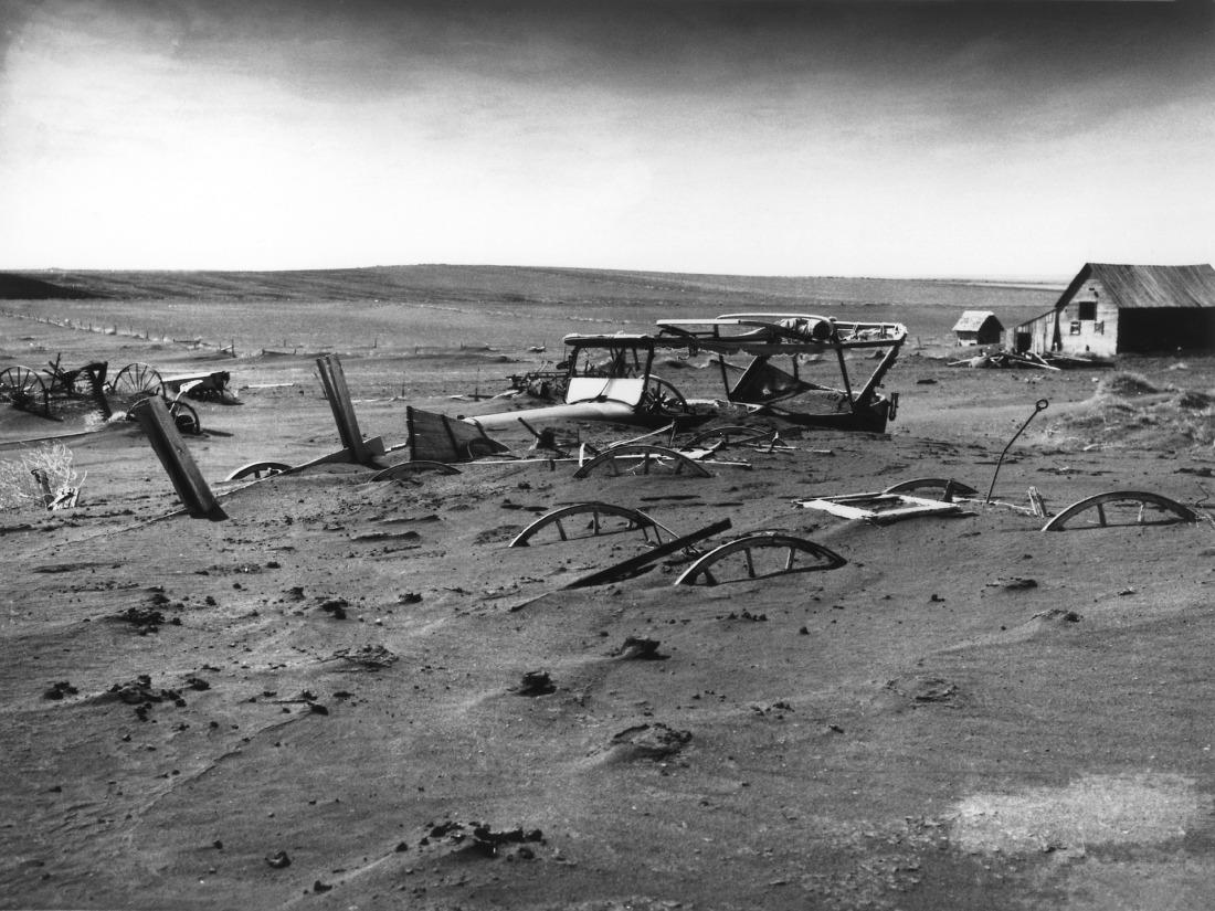 buried-62989_1920
